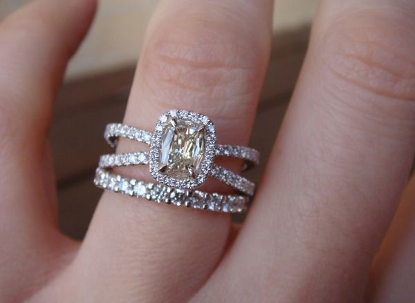 pretty double bands on ring. This ring is gorge!!! especially with  something other than diamond as the center stone.