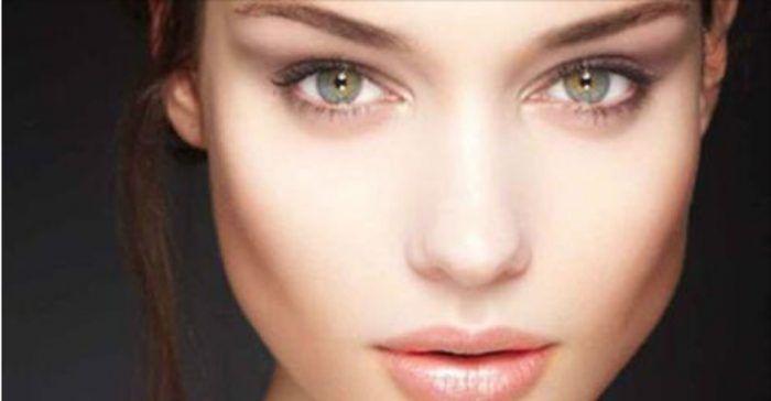 <p>O+que+provoca+o+escurecimento+da+pele?+Os+fatores+podem+ser+diversos,+como:+–+Exposição+ao+sol+–+Uso+de+produtos+químicos+–+Alteração+hormonal+–+Consumo+de+certos+medicamentos+O+escurecimento+da+pele+pode+ocorrer+em+todo+o+rosto+ou+como+pequenas+manchas+–+seja+como+for,+é+um+…</p>