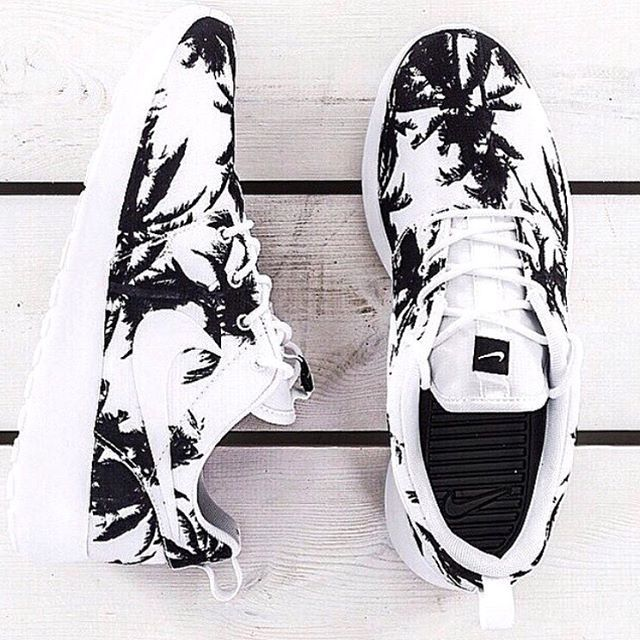 nike nike roshe run nike roshe run palm trees palm tree print palm tree nike  sneakers black and white sneakers shoes nike shoes nike running shoes white  ...