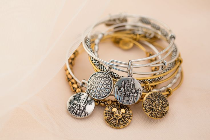The New 2017 Disney Alex and Ani Designs Were Chosen By Fellow Fashionistas!