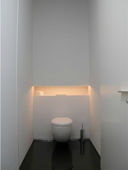 1000 ideas about small toilet room on pinterest small for Indirecte verlichting toilet