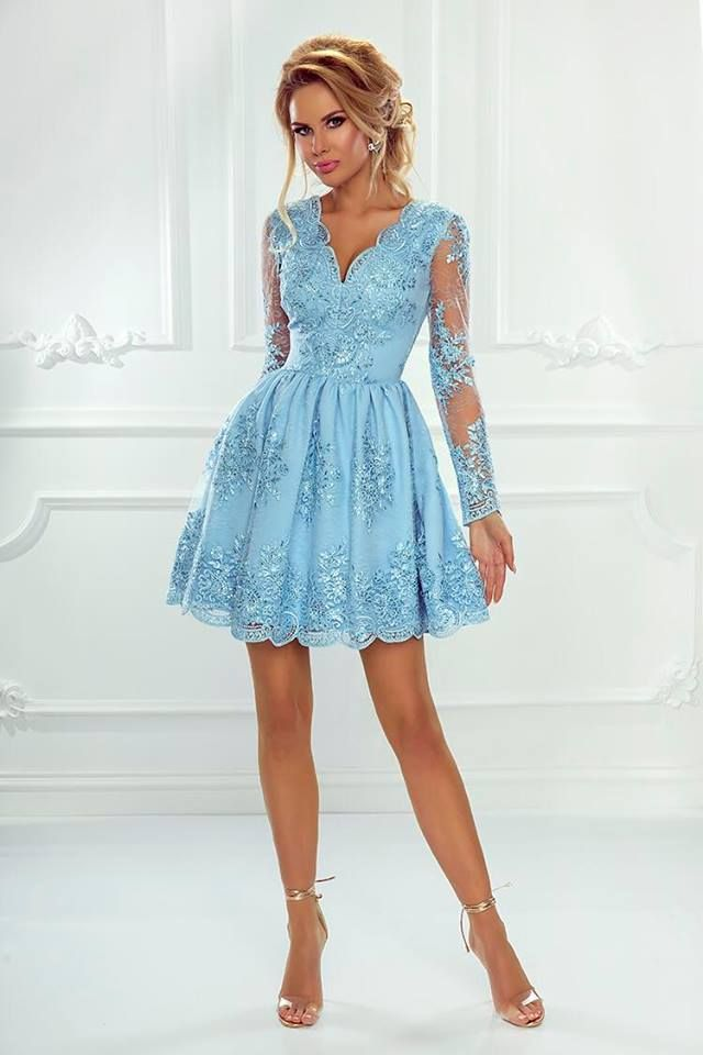 b89ef38b716895 Cudowna sukienka Amelia ze zdobionej koronki. Elegancka propozycja z długim  rękawem i dekoltem w serek