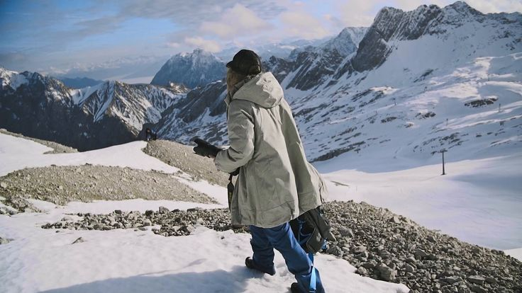 Kashmir by F-Stop Gear is the first camera backpack designed for us. Check out my feedback on this little video we did on Zugspitze #photography #sportsPhotography #outdoor #outerwear #camerabag