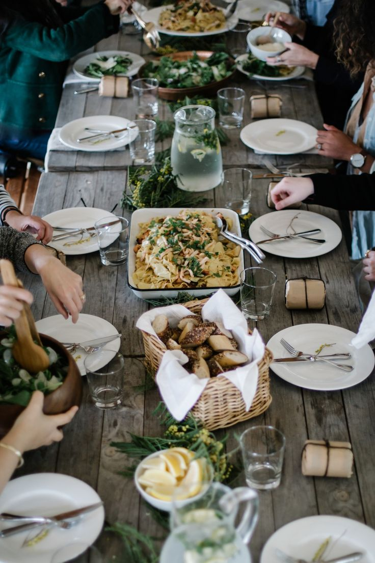 thursdays-at-the-coffeeshop:A Kinfolk dinner // Beth Kirby