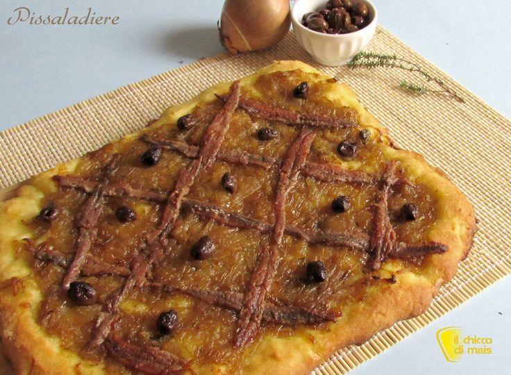 Pissaladiere (ricetta focaccia di Nizza). Ricetta della pissaladiere focaccia con cipolle, acciughe e olive tipica della costa azzurra (anche senza glutine)
