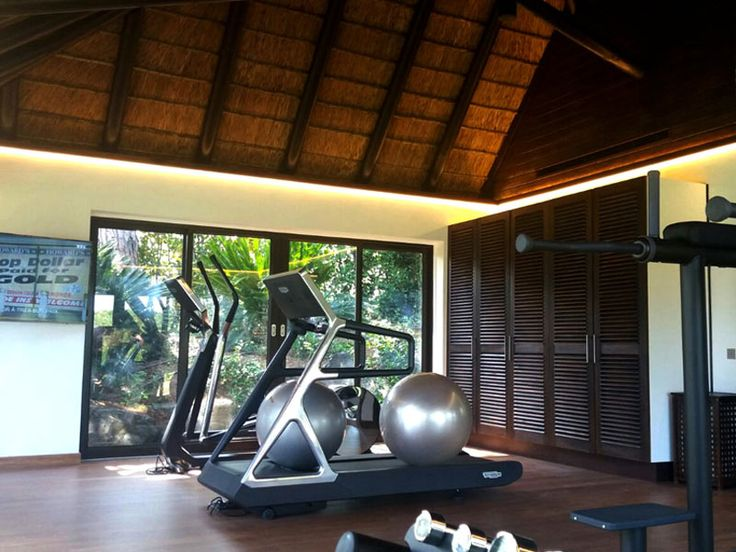 St Tropez Log Cabin transformed into a private gym with dressing room & hammam  - Cape Reed