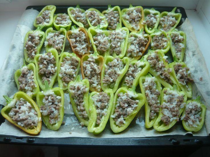 Фаршированные перцы, запеченные в духовке - пошаговый рецепт с фото - как приготовить - ингредиенты, состав, время приготовления - Дети Mail.Ru