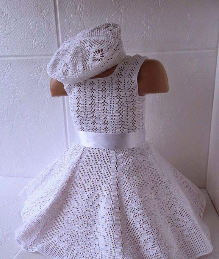 вязаное платье для девочки с филейным узором