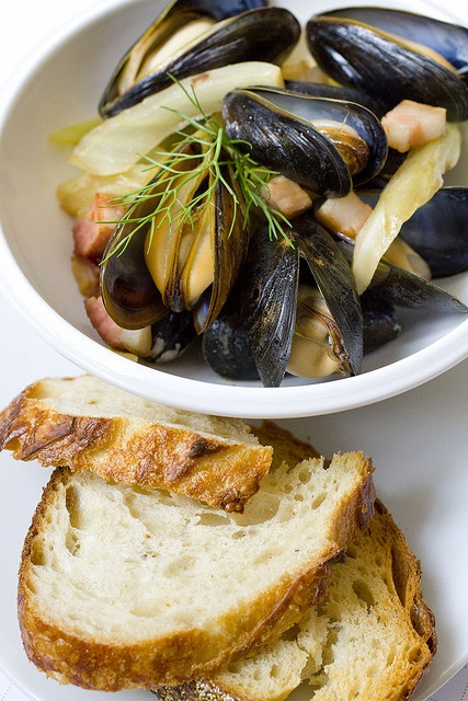 Remy Mussels served with bacon and fennel by FoodMayhem