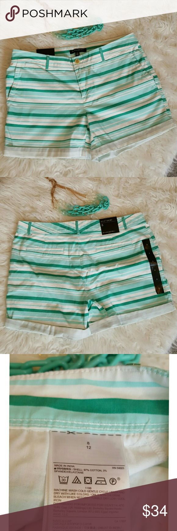 "NWT Banana Republic Women's Shorts Light and dark mint/white striped shorts perfect for summer!😎  Shell: 97% cotton/3% spandex Waist 17-3/4"" 4-1/2"" inseam  Necklace for sale @sidrs $7 Banana Republic Shorts"