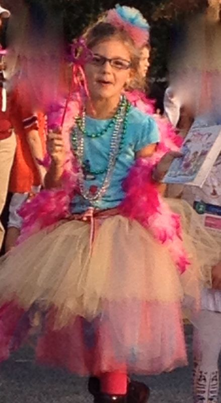 Fancy Nancy Costume: Fancy Nancy Tutu and Hair Bow.