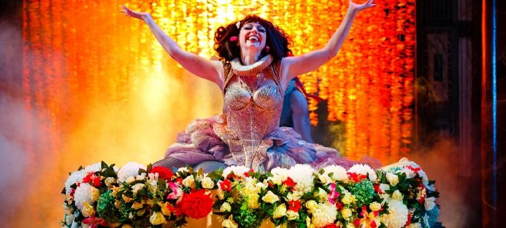 Meow Meow as Titania in Emma Rice's production of A Midsummer Night's Dream at Shakespeare's Globe. Image (c) Steve Tanner