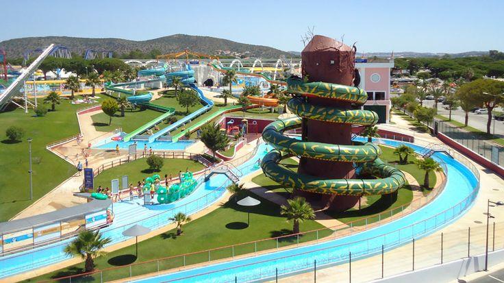 Moderni Aquashow Park -hotelli on perheiden ja kaikkien vesipetojen mieleen ja suurin osa hotellivieraista onkin lapsiperheitä. Vesi- ja teemapuiston yhteydessä sijaitsevassa hotellissa on nuorekas tunnelma. #Lastenkanssa #Loma #Aurinkomatkat #Portugali #Albufeira