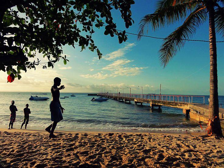 """Pensando em auxiliar os noivos em mais uma """"missão impossível"""" de casamento o Zankyou preparou esta lista onde você encontrará os 10 destinos paradisíacos mais incríveis e surpreendentes para lua de mel no nosso país tropical."""