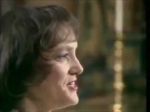 """I Know That My Redeemer Liveth"" (Messiah Oratorio, Handel). American Soprano Judith Nelson, Soloist; with the Westminster Abbey Choir, Simon Preston, Choirmaster and Organist; and the Academy of Ancient Music/AAM, Christopher Hogwood, Conductor."