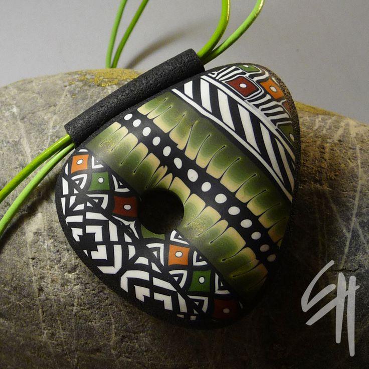 pendant Amerindian Triangle By Eva Haškova -- love the combination of B and warm colors