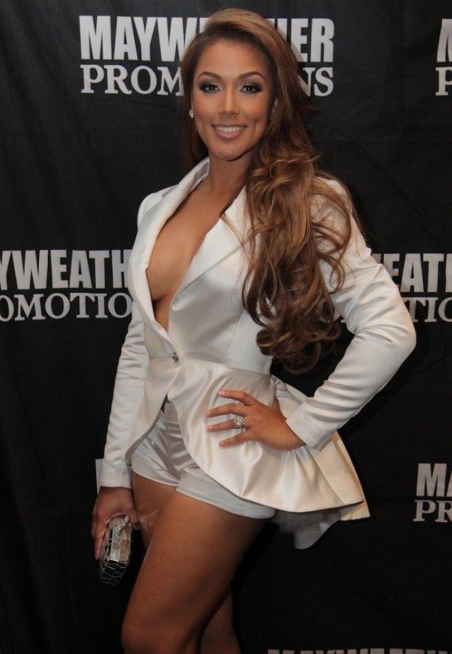 Floyd Maywether's fiance Ms. Jackson. Omg so gorgeous