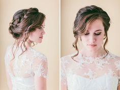 Haar Tutorial: Lose geflochtene Hochsteckfrisur | Grüne Hochzeitsschuhe Hochzeitsblog | Hochzeitst …