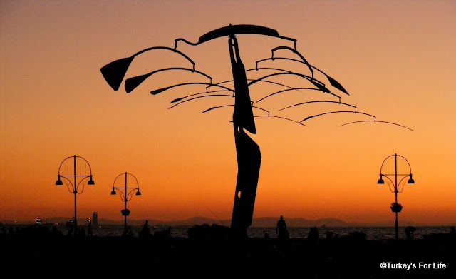 Sunset over the Aegean - Izmir. Find out more about the silhouette here: http://www.turkeysforlife.com/2012/09/izmir-sunset-aegean-sculpture.html