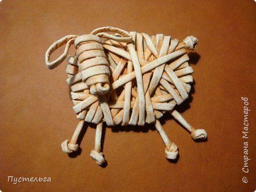 Мастер-класс Поделка изделие Новый год Плетение Овцы и козы Бумага Трубочки бумажные фото 1