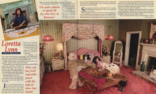 Loretta Lynn And Children   Loretta Lynn at Home In Hurricane Mills (1994) - Country Weekly