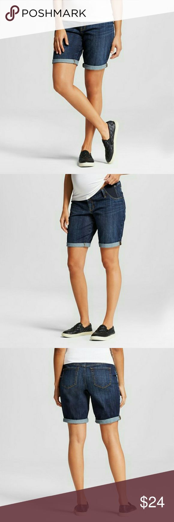 Liz Lange Bermuda Jean Short Shorts feature:  Elastic side inserts  11-inch inseam hits around mid-thigh Two back pockets Stretchy cotton and spandex denim  Mid-rise  Fly button and zipper closure  Front faux pocket  Back patch pocket 98%: Cotton, %: 2 Spandex Liz Lange Shorts