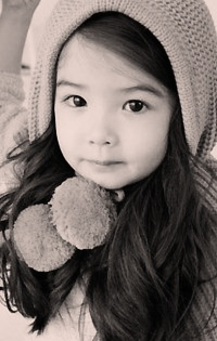 This little Korean girl is ridiculously cute.