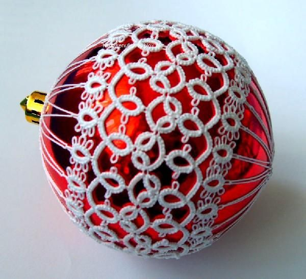 A great idea for making an ordinary bauble a bit special.