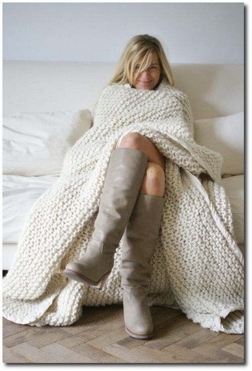 Chunky Knit Blanket - I love this, i wish i could knit