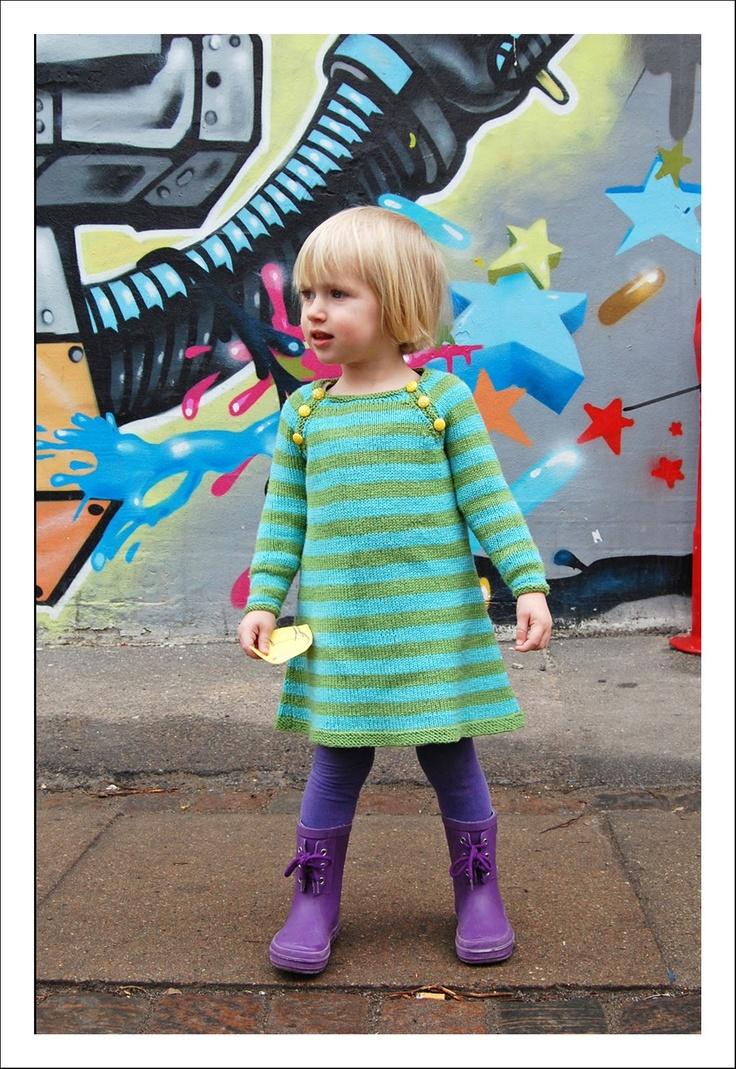 Signest: Nova the Dress. Knitting