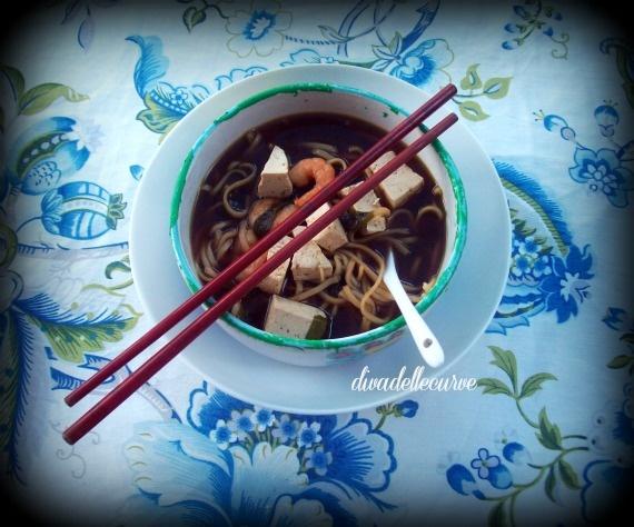 my ramen la mia ricetta qui http://www.divadellecurve.com/2012/08/la-ricetta-che-mi-riesce-sempre-in.html