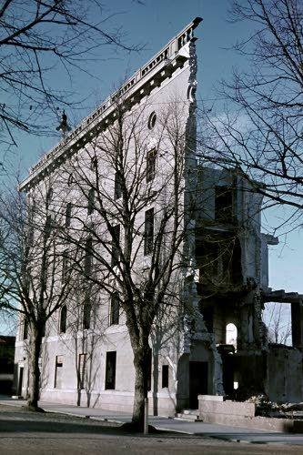 Hangon kaupungintalon rauniot. Hanko 1942.08.12