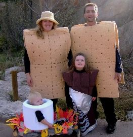 Family Halloween costumes! This is awesome i want s' mores