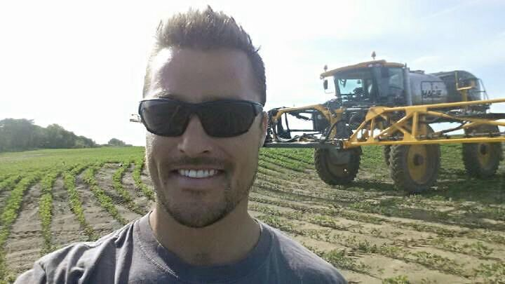 Hot farmer Chris Soules!! Hubba Hubba!!!