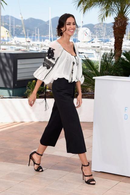 Mădălina Ghenea a purtat ie la Cannes