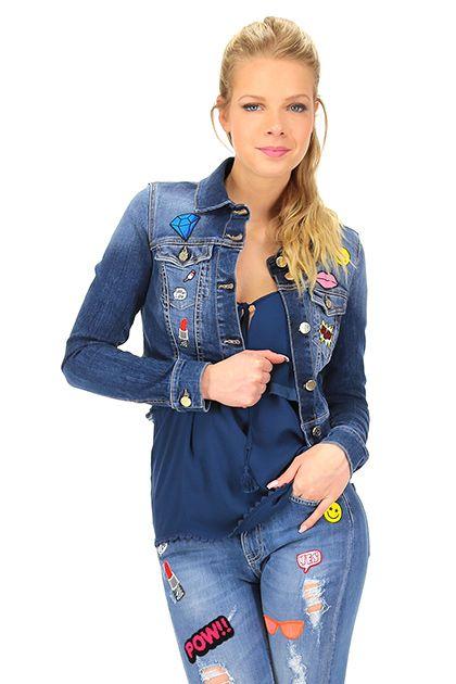 Kocca - Giacche - Abbigliamento - Giacca in jeans con tasche  applicate sul davanti e patch.La nostra modella indossa la taglia /EU XS. - L266 - € 115.00