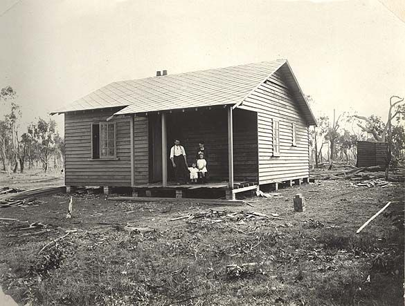 Image | [Kentucky Soldiers' Settlement Estate - settler's cottage][Kentucky Soldiers' Settlement Estate - settler's cottage][Kentucky Soldiers' Settlement Estate - settler's cottage]