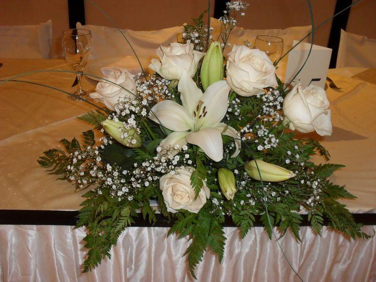 Centros de mesa arreglos de flores pinterest flowers for Adornos para bodas con plantas