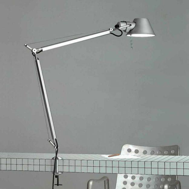 Ist Wohl Eine Der Bekanntesten Der Leuchtenwelt Die Artemide Tolomeo Ist Die Wohl Bekannteste Schreibtischleuchte Und Entst In 2020 Led Tischleuchte Tischleuchte Led