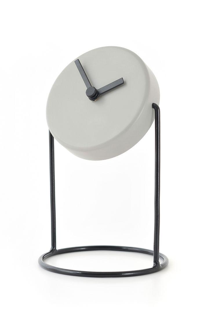 'haro clock' designed by dario diseño