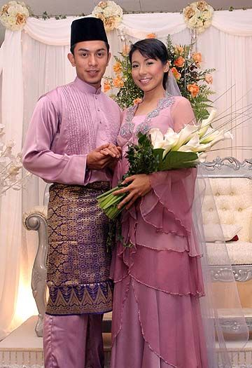 Malay wedding costumes