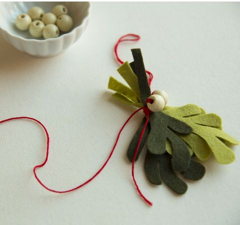 Felt Mistletoe DIY With Printable Template From CreativeBug