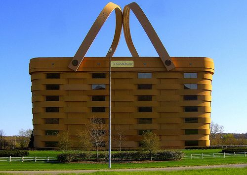 Longaberger Basket Company's head office is in this basket building in OhioOffices Buildings, Baskets Buildings, Picnics Baskets, Places, House, Architecture, Factories, United States, Home Offices