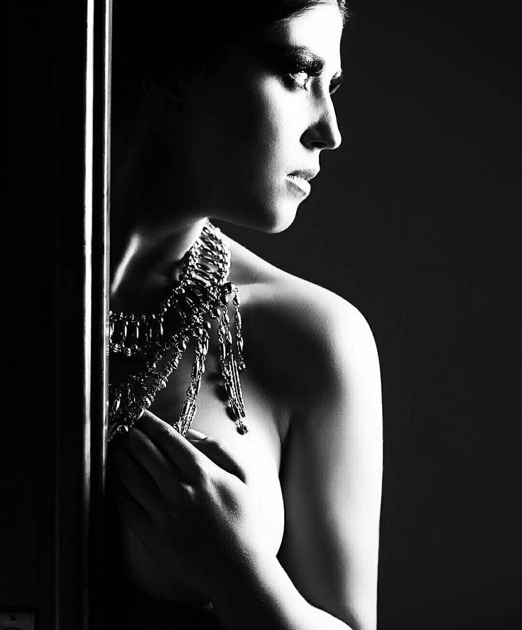 Michelle Moll te ensina a fazer fotos impactantes de boudoir com uma fonte de luz