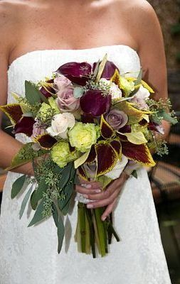 Google Image Result for http://www.flowershopnetwork.com/blog/wp-content/uploads/2009/10/fall-wedding-bouquet-mondaymorningflowers.jpg