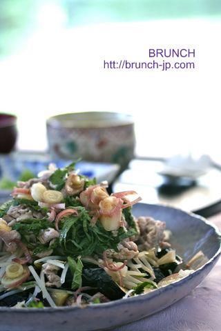 簡単】揚げ茄子と夏野菜の豚しゃぶサラダ | 美肌レシピ