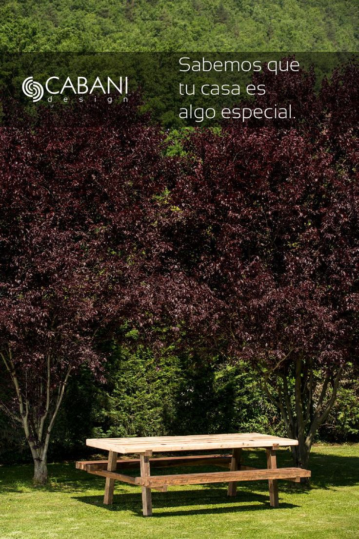 Mesa SEGOVIA ideal para ambientes exteriores. Con bancada de madera de palet y sobre personalizado a base de mosaico diferentes texturas. #cabanidesign #mueble #exterior #jardin #mesa #terraza