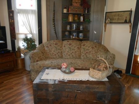 A primitive living room  Primitive Living RoomPrimitive DecorLiving  85 best PRIMITIVE LIVING ROOMS images on Pinterest   Primitive  . Primitive Decorating Ideas For Living Room. Home Design Ideas