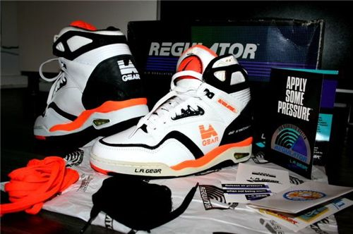 fd09be04fc99 Buy reebok pumps 90s womens 2016   OFF34% Discounted
