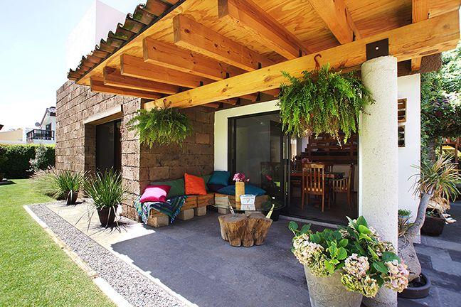 Casa Ana | Dionne Arquitectos #beams #design #exterior #architecture